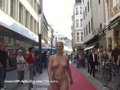 Hot public nudity with sweet blonde babe Thumb