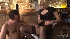 Amateur French Milf Gets Fucked Anally Thumb