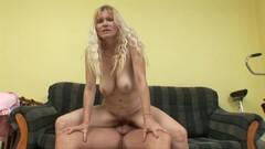 Sensual Arousing Blond Mom Babe Sucking Teenage - Housewife Thumb