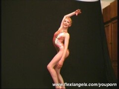 Flexible excersises with Anja Thumb