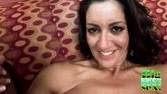 Hot babe enjoys orgy Thumb