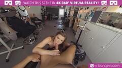 Wild Anal Sex on the Beach Thumb