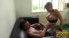 Sizzling babe ass fucked in threesome Thumb